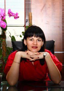Богданович Наталія, випускниця факультету іноземних мов в 2002 р.