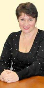 Циммерман Галина Олександрівна закінчила факультет іноземних мов в 1980 році