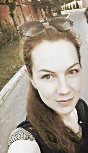 Семенова Олена закінчила економічний факультет ІДГУ в 2014 році