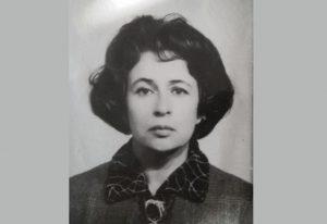 Пісанко Тетяна Сергіївна, закінчила Уральський педінститут, працювала на факультеті іноземних мов з перших років його заснування. Зараз їй 84 роки.