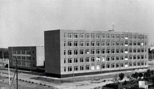 Учбовий корпус інституту 1974 р.