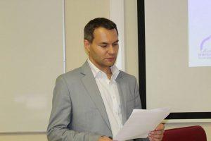 Тарасовський В'ячеслав, випускником факультету іноземних мов